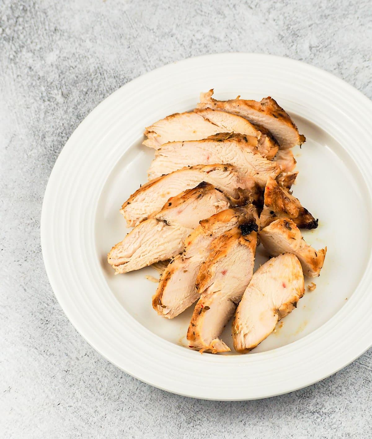 sliced chicken on plate